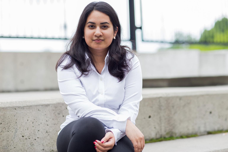 Grâce à ses réalisations exceptionnelles, Ishita a récemment remporté le Prix jeunesse dans le cadre des Prix RBC des 25 grands immigrants au Canada.